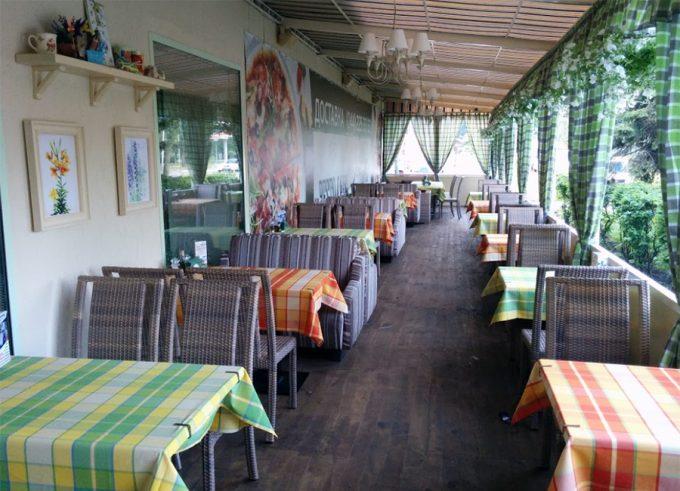 Pesto Café на Русановке - летняя веранда