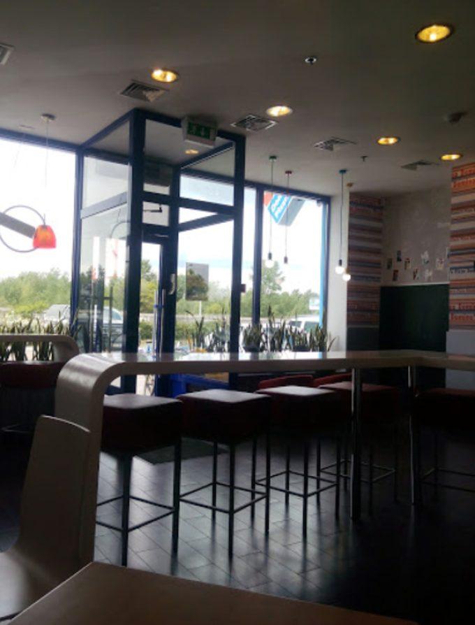 Domino`s Pizza в ТЦ Глобал UA - интерьер