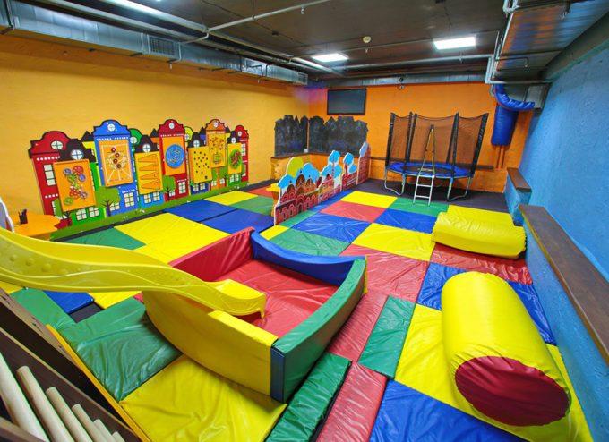 MAFIA в ТРЦ Космополит - большая детская комната