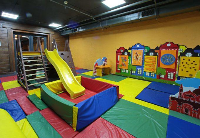 MAFIA в ТРЦ Космополит - детская комната
