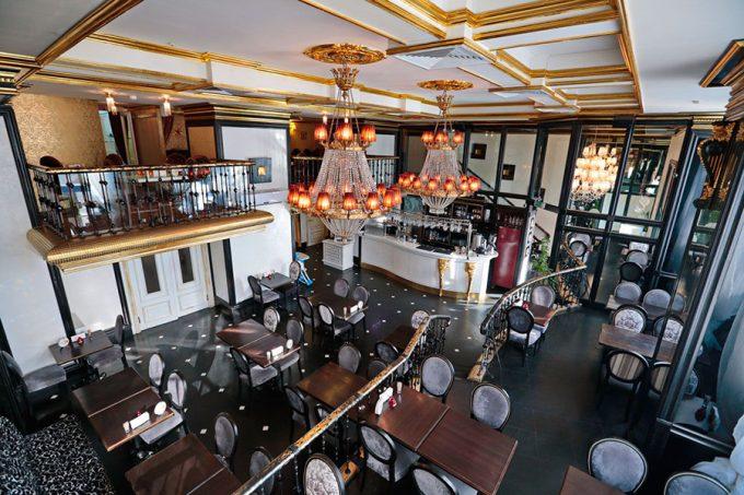 Ресторан Mafia на Крещатике - роскошный интерьер