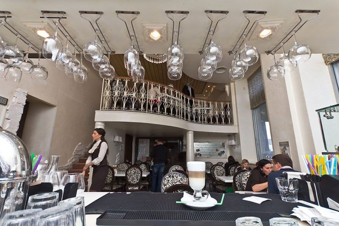 MAFIA на ул. Сечевых Стрельцов - интерьер ресторана