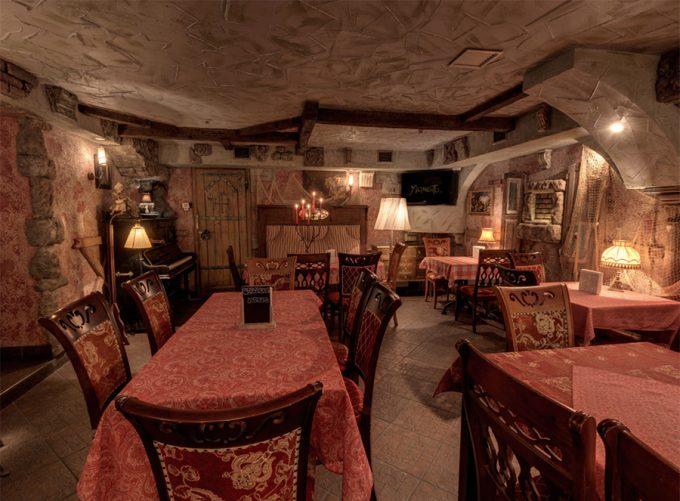 Ресторан-пиццерия Моменто - интерьер