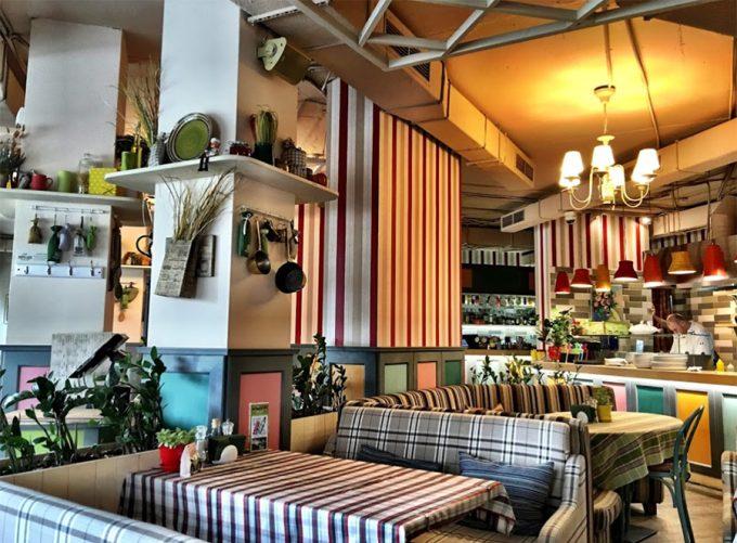 PESTO CAFÉ на Позняках - интерьер