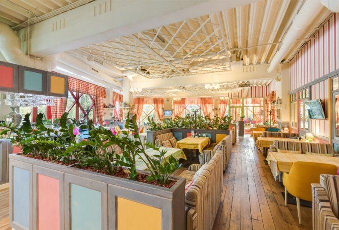 Pesto Café в ТЦ Орнамент - интерьер
