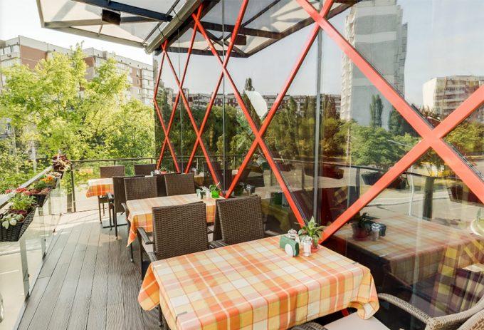 Pesto Café в ТЦ Орнамент - открытая площадка